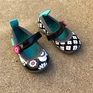 CHOOZE Black & White floral Mary Janes Toddler 5